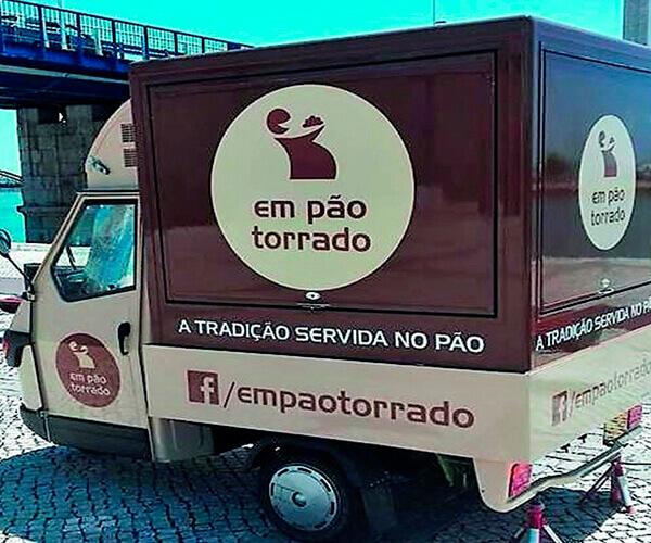 EM PÃO TORRADO